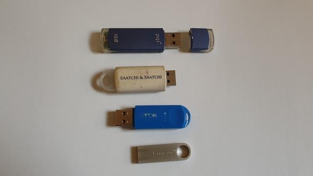 MEMORIAS USB VARIAS BAJADA PRECIO - foto 1