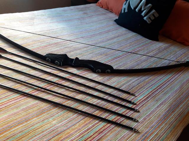 ARCO NEGRO 5 FLECHAS PUNTA ENROSCABLE - foto 4