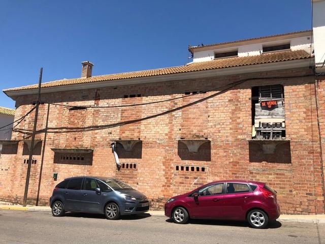 CASA PISO COCHERA LOCAL COMERCIAL - foto 4