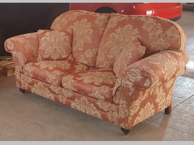 Strange Sofa Estilo Ingles 00004 Caraccident5 Cool Chair Designs And Ideas Caraccident5Info