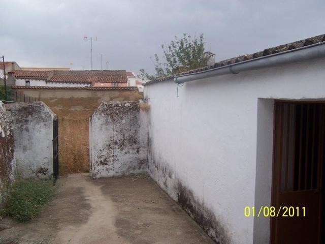 SE VENDE CASA CON GRAN CORRAL - foto 6