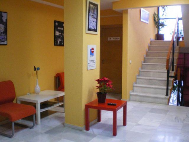 EDIFICIO DE OFICINAS Y OTROS USOS - foto 2