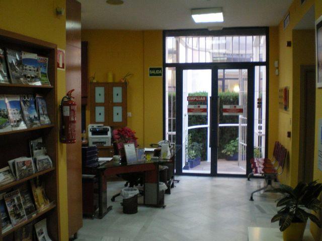 EDIFICIO DE OFICINAS Y OTROS USOS - foto 3