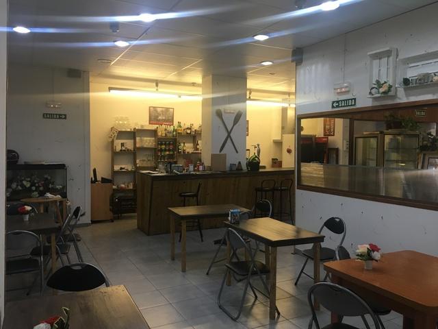 PASTELERIA/CAFETERÍA TRASPASO POR - foto 3