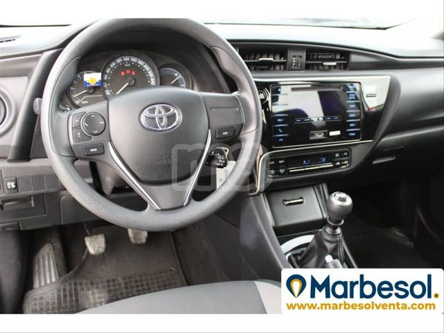 TOYOTA - AURIS 1. 4 90D BUSINESS - foto 6