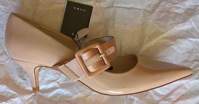 Zapatos Súper Cómodos De Piel Zara. Color Crema. $ 700,00