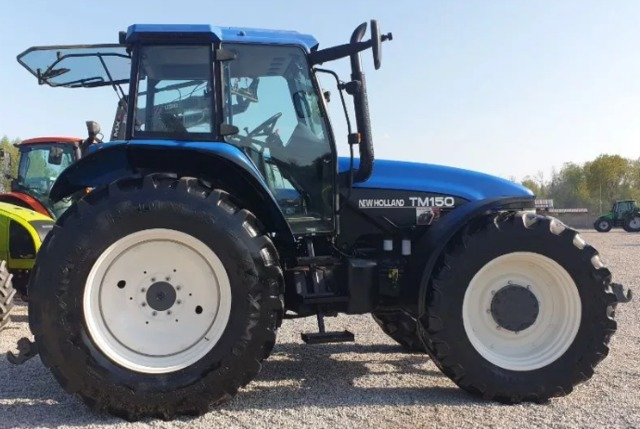TRACTOR AGRICOLA NEW HOLLAND - TM 150