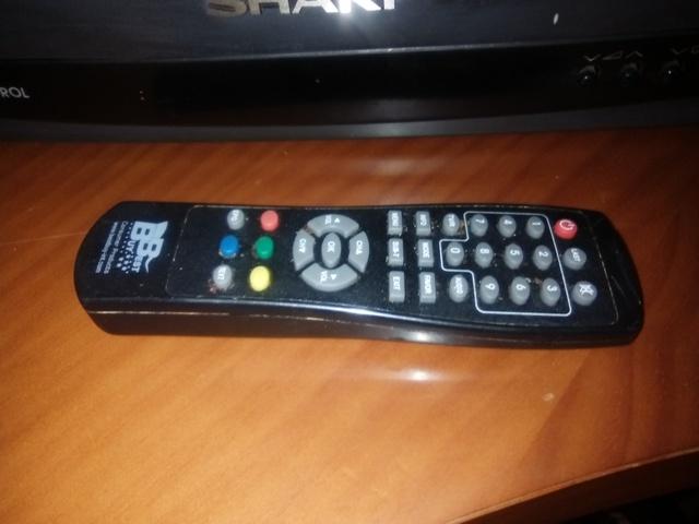 TELEVISOR SHARP CON REGALO TDT Y CABLES - foto 3