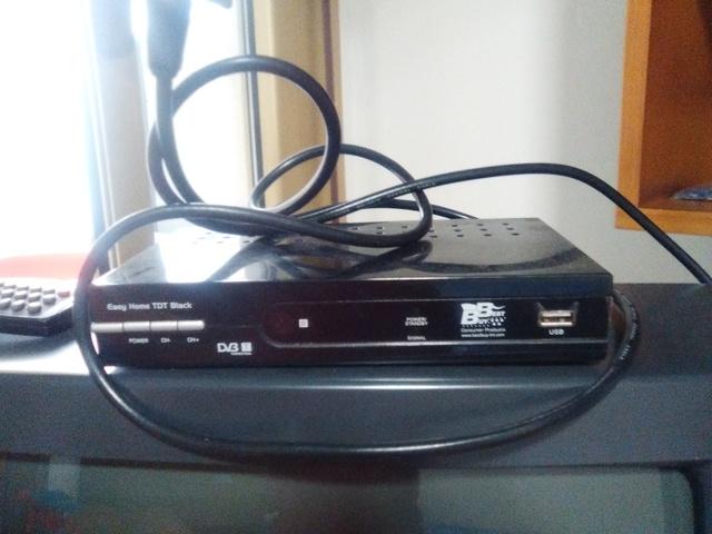 TELEVISOR SHARP CON REGALO TDT Y CABLES - foto 4