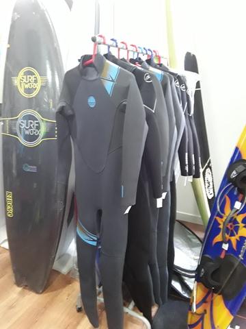 LIQUIDACION TRAJES SURF 3: 2 OUTLET.  - foto 3