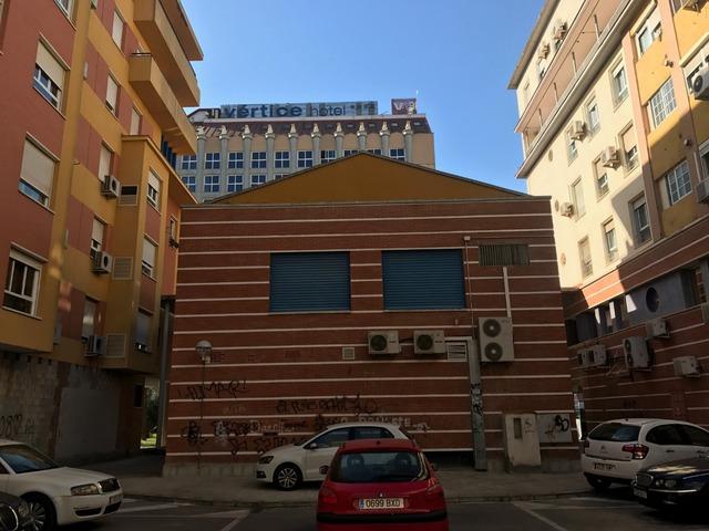 VENTA EDIFICIO DE OFICINAS Y GARAJES - foto 6