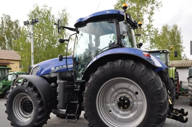 TRACTOR AGRICOLA NEW HOLLAND - T7030 BLUE POWER