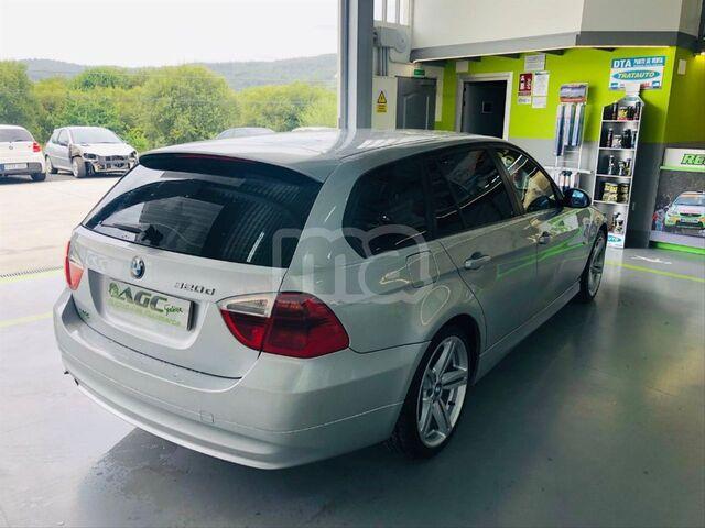BMW - SERIE 3 320D TOURING - foto 3