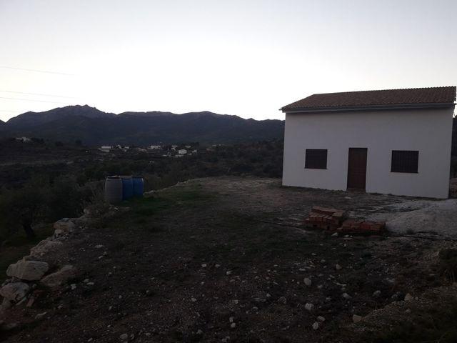 ALCORNOQUILLO,  YUNQUERA (MÁLAGA) - foto 1