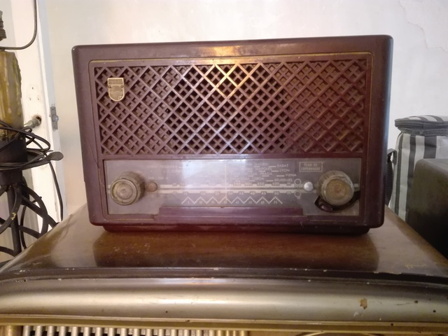 RADIO MARCA PHILIPS DE 1951 MUY ESCASA - foto 1