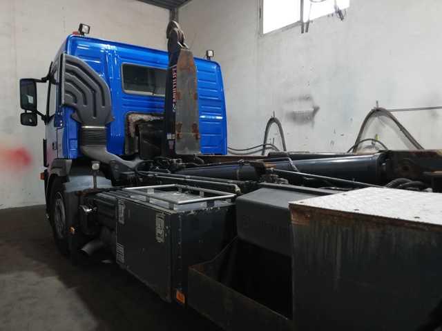 VOLVO FM400 - 6X2 GANCHO MULTILIFT - foto 3