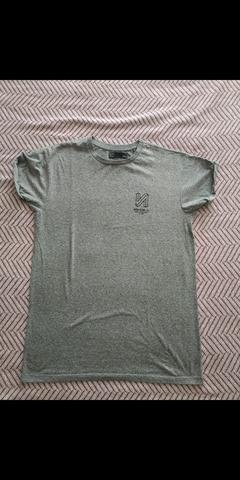 23f079404096 MIL ANUNCIOS.COM - Camisetas bershka Segunda mano y anuncios ...
