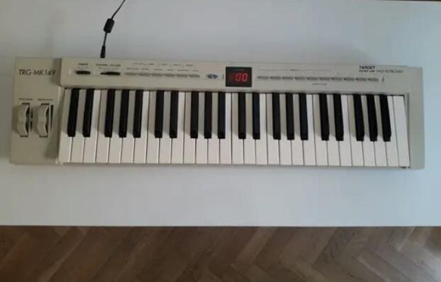 PIANO MIDI MARCA EVOLUTION - foto 1