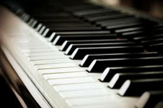 PROFESOR CLASES DE PIANO ALTEA - foto 1