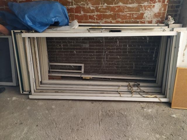 Puertas Aluminio Con Persiana