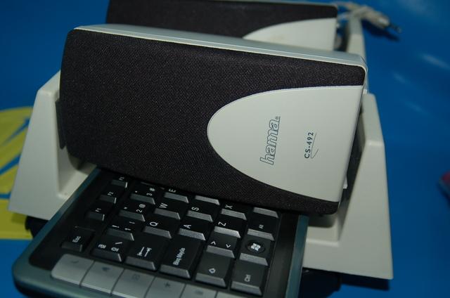 TORRE PC BASIC + ALTAVOCES + TECLADO + - foto 6