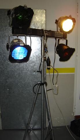 amarillo Faro Work/ /Foco etc Foco hal/ógeno de/ /Foco Bombilla Foco Luz L/ámpara de trabajo Tr/ípode para LED de Foco Altura Regulable Hasta 1,60/m