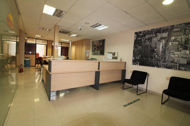 BONITA OFICINA EN EL CENTRO DE TORREMOLI - foto 1