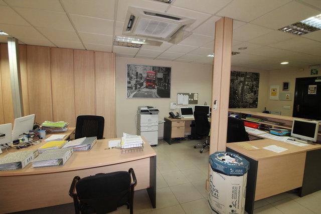 BONITA OFICINA EN EL CENTRO DE TORREMOLI - foto 4