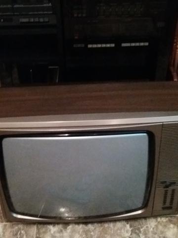 TV COLOR MARCA ITT - foto 1