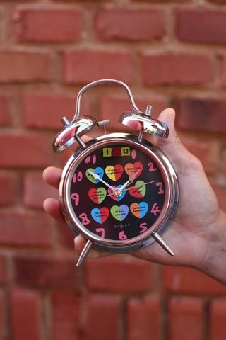 Reloj Despertador Metálico