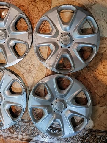 """Para adaptarse a 14/"""" Nissan Pixo rueda Adornos tapacubos nuevo conjunto de 4"""