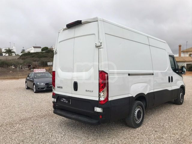 IVECO - DAILY 2. 3 TD 35S 12 V 3520LH2 - foto 2