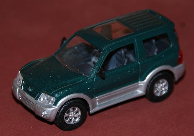 Mitsubishi Pajero (Montero) Escala 1:43