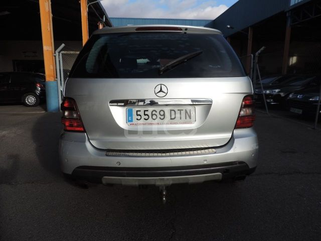 MERCEDES-BENZ - CLASE M ML 320 CDI - foto 4