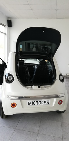 MICROCAR - DUE 6 YOUNG NEGRO O BLANCO - foto 4