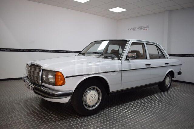 Mercedes w123 w123 Coupe 200 230 280 CE suelo chapa carrocería suelo delantera derecha