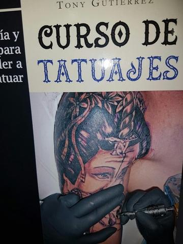 dolor de ombligo en tiendas de tatuajes