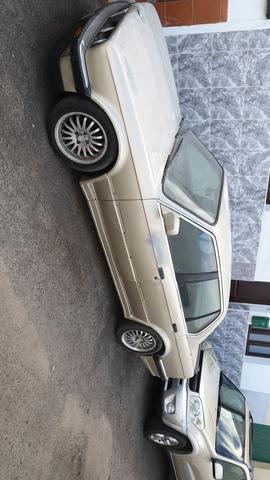BMW - E30. 320I - foto 1
