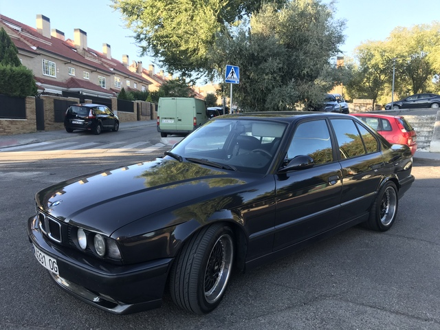 BMW - E34 530I  V8 MANUAL - foto 1