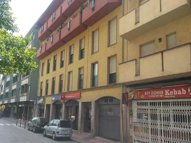 MANLLEU - ZONA ESPECIAL AV ROMA 101 - foto 5