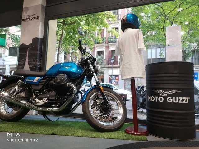 MOTO GUZZI - V7 III SPECIAL 35 KW - foto 1