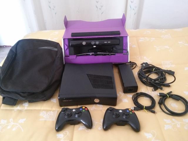 VENDO XBOX 360 SLIM DE 500GB + 70 JUEGOS, usado segunda mano  Alhaurín de la Torre