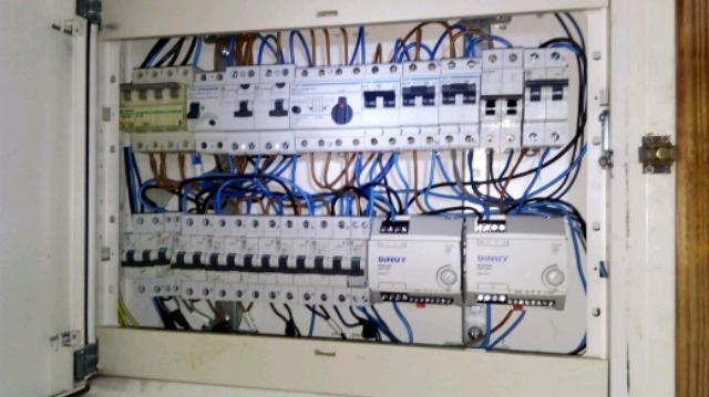 ELECTRICISTA SIN LUZ - foto 1