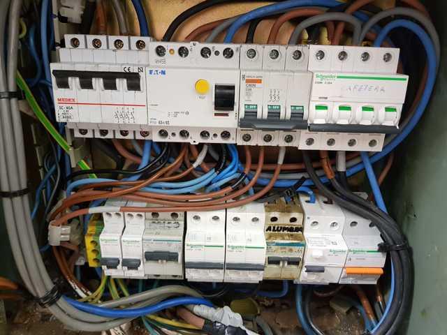 ELECTRICISTA - foto 1