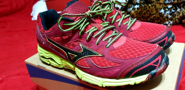 mizuno wave sky 2 vs wave rider 22 largo amarillo 05-1-020