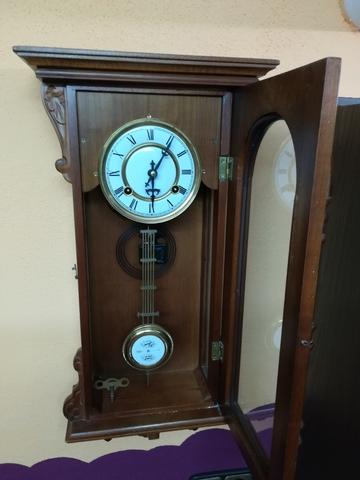 Vendo Este Reloj De Pared Antiguo