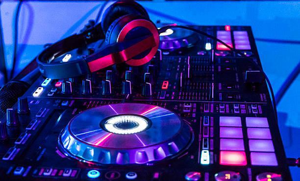 DJ CON EQUIPO - foto 3