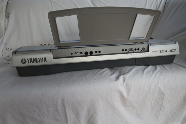 YAMAHA PSR 1500 - foto 4