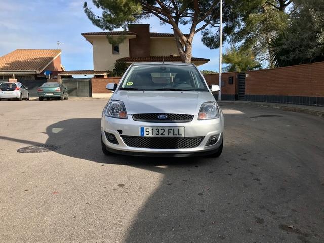 Izquierda Luz Intermitente para Coche indicador de Ahorro de energ/ía para visi/ón Trasera Derecha Show ABS Resistente al Agua para Ford Fiesta Derecha luz LED Intermitente para Coche
