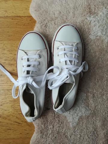 zapatillas blancas tipo converse